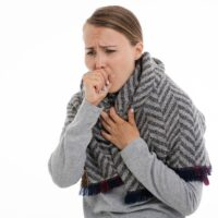 Angine blanche : cause, traitement, risque etc