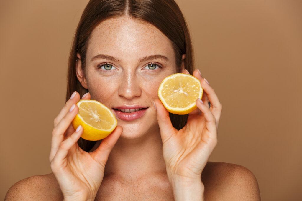 femme taches brunes et citrons